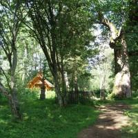 Hřbitov v místě bývalé vesnice Wolosate (dnes je tam jen pár nových domků)